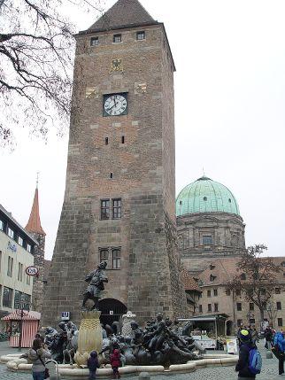 Weißer Turm, Nürnberg West.