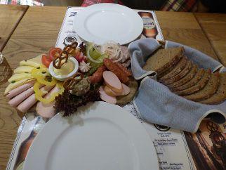 Brotzeit im Metzgerei-Gasthof Wittmann in Neumarkt. Foto: Anita Korndörfer