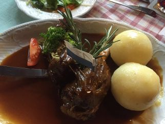 Typisch fränkisches Essen: Schäufele.