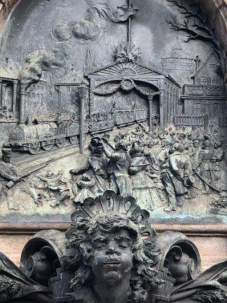Das Eisenbahndenkmal in Nürnberg, Stadtteil Gostenhof.